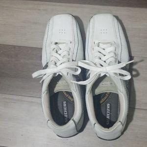Skechers sneakers white